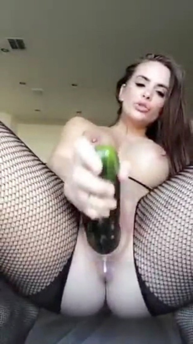 Allison Parker Nude Leaked Cucumber Masturbation SnapChat Video