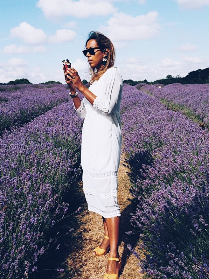 Fatima-Truscott-Fashion-Blogger-in-Mayfield-Lavender-Field