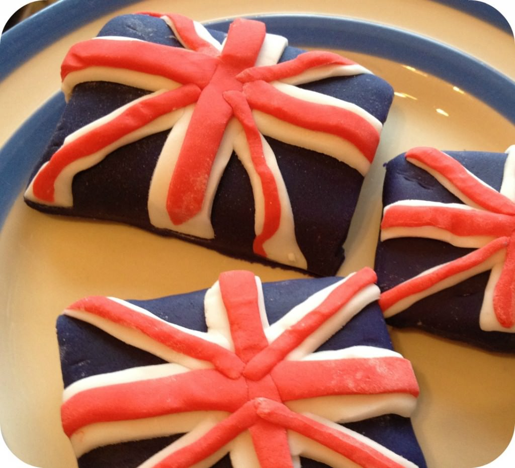 union flag biscuits