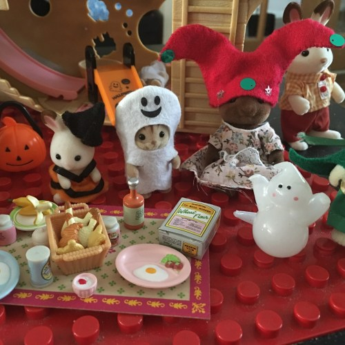 Sylvanian Families Halloween party