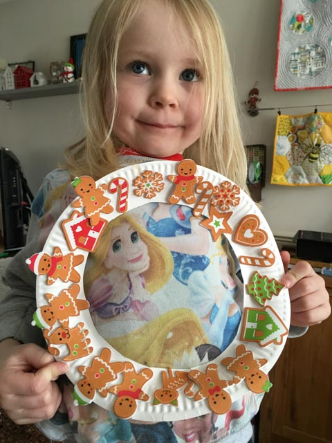 Paper plate gingerbread wreath