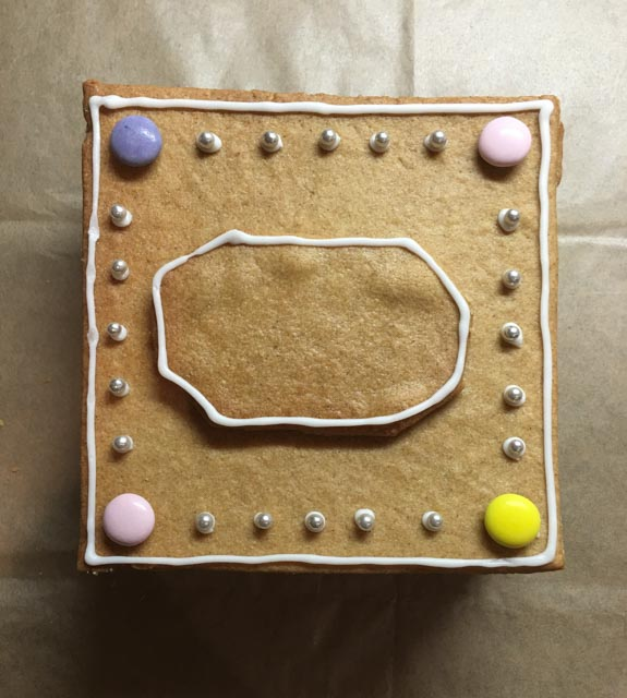 gingerbread biscuit box