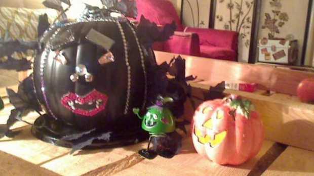 Jeweled Vampire Pumpkin for Halloween