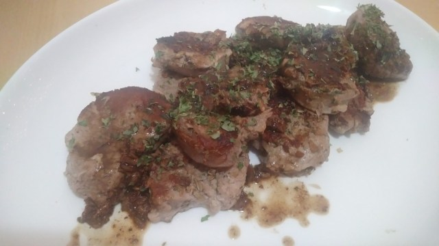 Pork Medallions with fennel and garlic