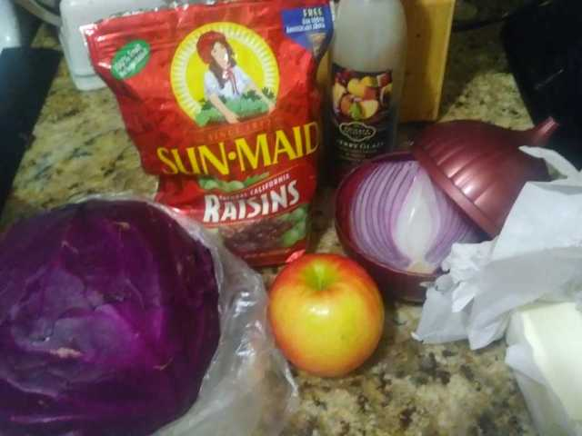 Dutch Oven Red Cabbage with Wine, Apples and Raisins