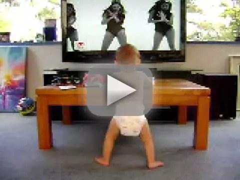 baby dances to beyonce