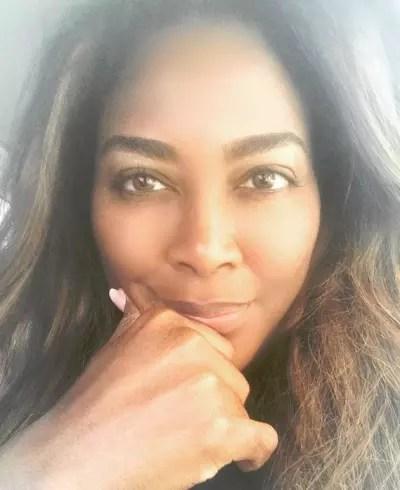 Kenya Moore, Eyebrows on Fleek