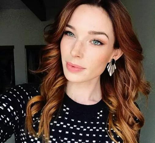 Chloe Dykstra Selfie