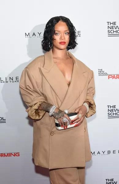 Rihanna: Pregnant?!