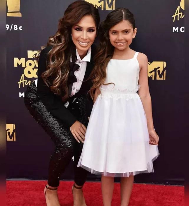Farrah and sophia at the mtv movie awards