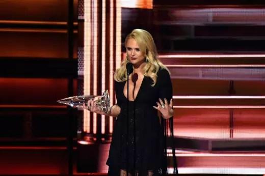 Miranda Lambert Accepts CMA Award