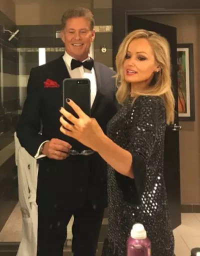 David Hasselhoff and Hayley Roberts, Mirror Selfie