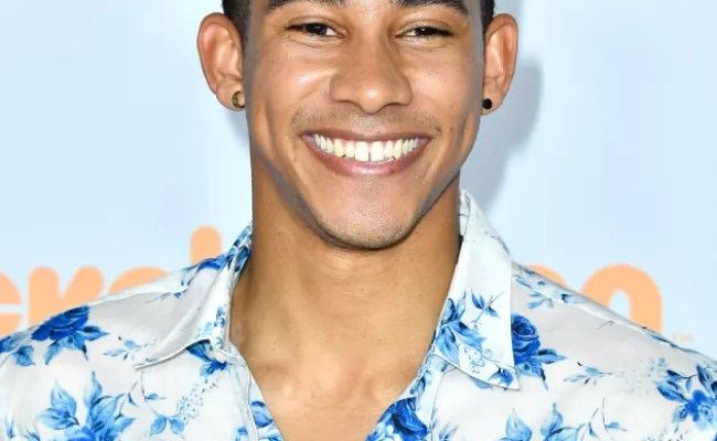 Keiynan Lonsdale Comes Out As Bisexual Read His Moving