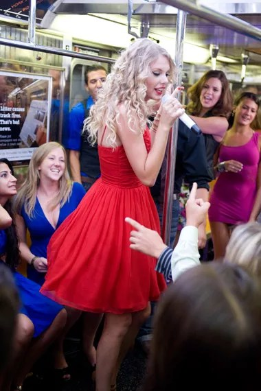 Taylor swift you belong with me 2009