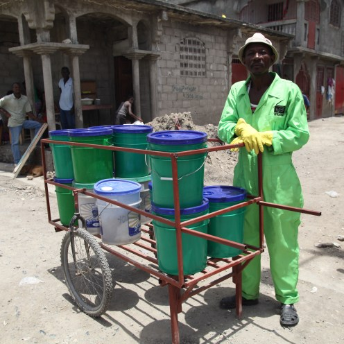 EkoLakay container collection in Cap Haitien, Vic Hinterlang