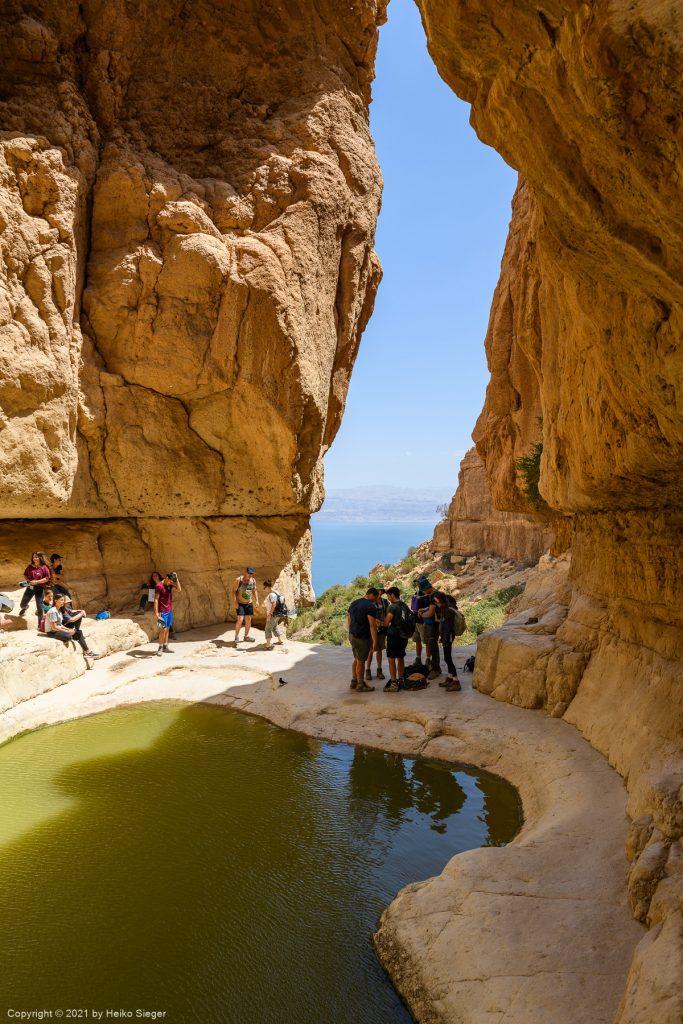 Fenster-Wasserfall am Ende des Trockenen Canyons, En Gedi