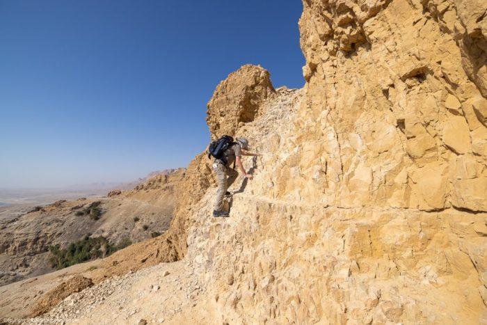 Israel Reiseleiter Heiko Sieger auf einer kurzen Kletterpartie