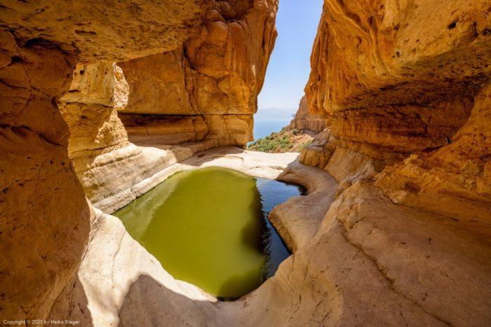Fenster-Wasserfall am Ende des Trockenen Canyons, En Gedi, Totes Meer