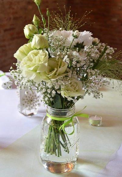 Gyp-white-bouquet-the-little-flower-shop-florist-london-chrysanthemum, rose and lisianthus vase bouquet white-min