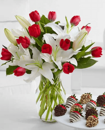 the-little-flower-shop-red-and-white-flowers-strawberries-and-cream-florist-london-flower-delivery-flower-shop-wimbledon-flowers-red-roses-chocolate-min-2-florist-london