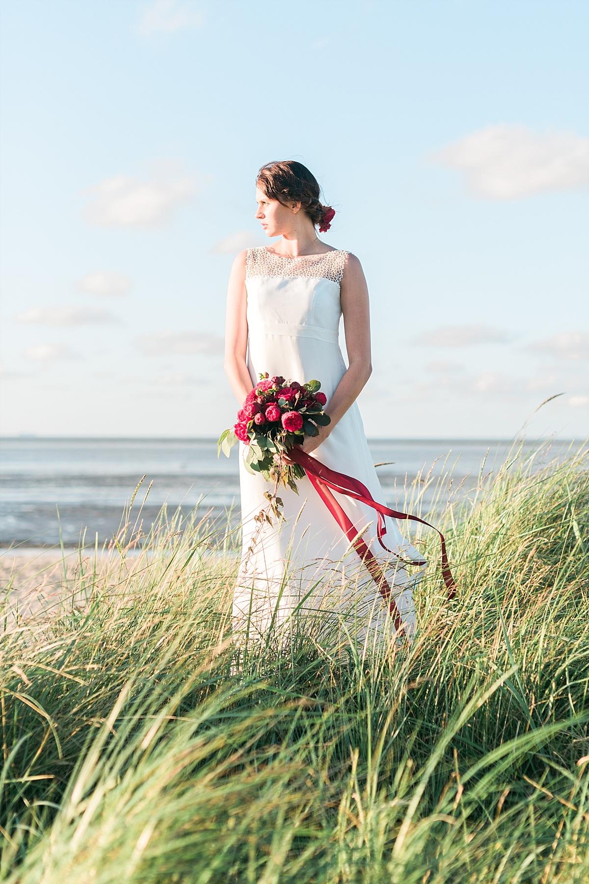 Sommerliche Gartenhochzeit in Rot  Hochzeitsblog The Little Wedding Corner
