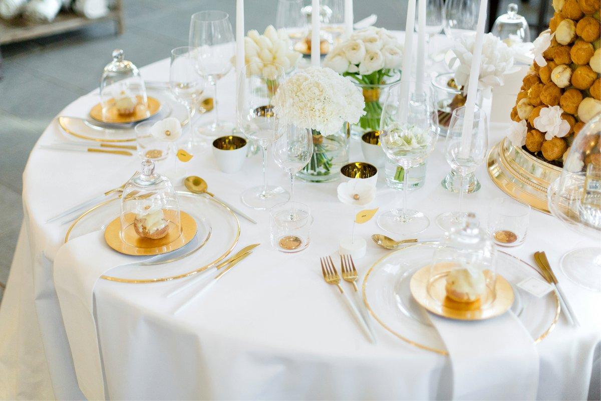 Modernes Wedding Design in Wei und Gold  Hochzeitsblog