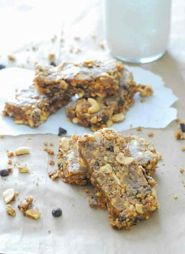 Low Carb Peanut Butter Breakfast Bars - So good with a cup of coffee or glass of almond milk!