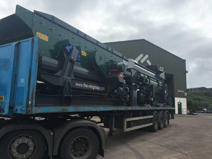 Recycling Waste Screens c/w Flip Flow Deck Shipping out