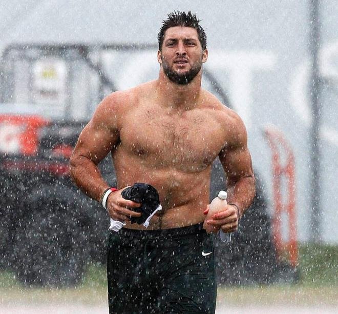 tim-tebow-shirtless