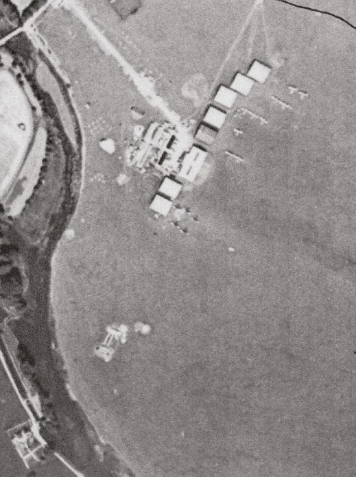 LEFT & BELOW Aerial images from 1918 provided a detailed layout of the aerodrome, including the types of tents and outbuildings that were used.