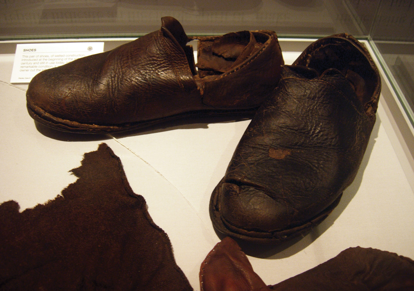 right Most of the leather shoes found in the wreck were slip-on types that were most useful for 'deckmen' and soldiers rather than the agile 'topmen' who scaled the rigging to set the sails.