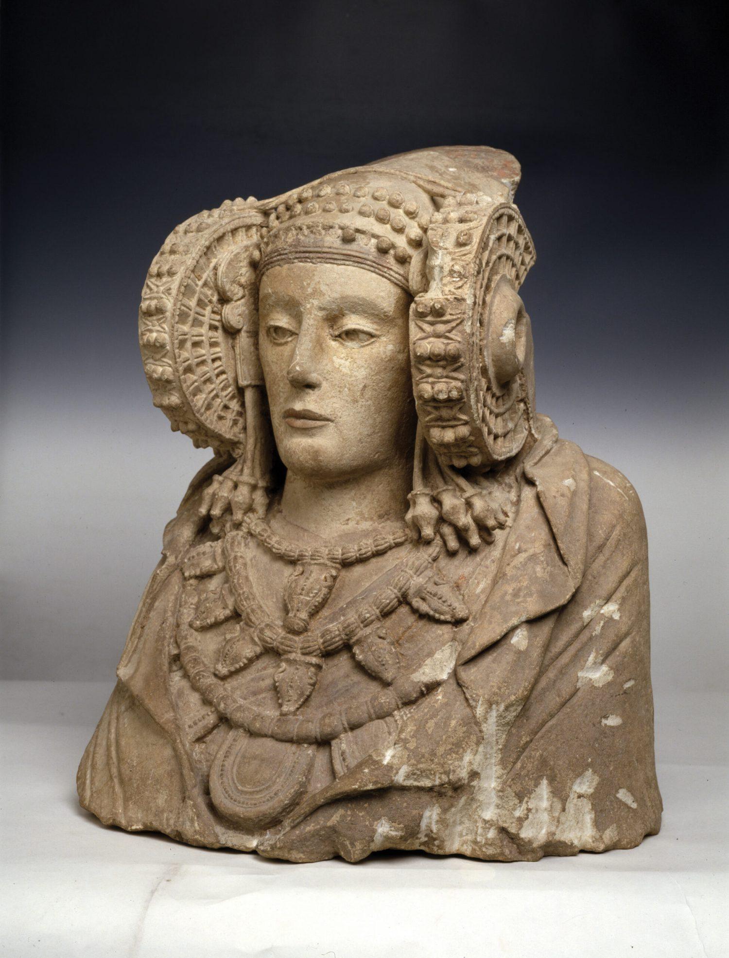 below Dama de Elche (Lady of Elche). Alcudia (Alicante), 5th-4th century BC, limestone. Size: 49 x 56.6 x 39cm