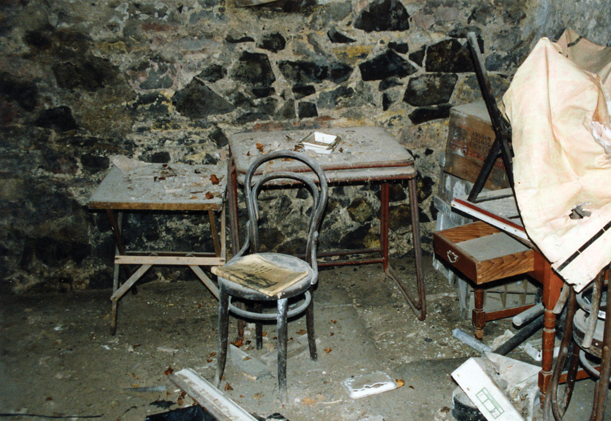 above The Hope-Taylor office as found in 2001. The newspaper, dated to 1974, lies on the chair.