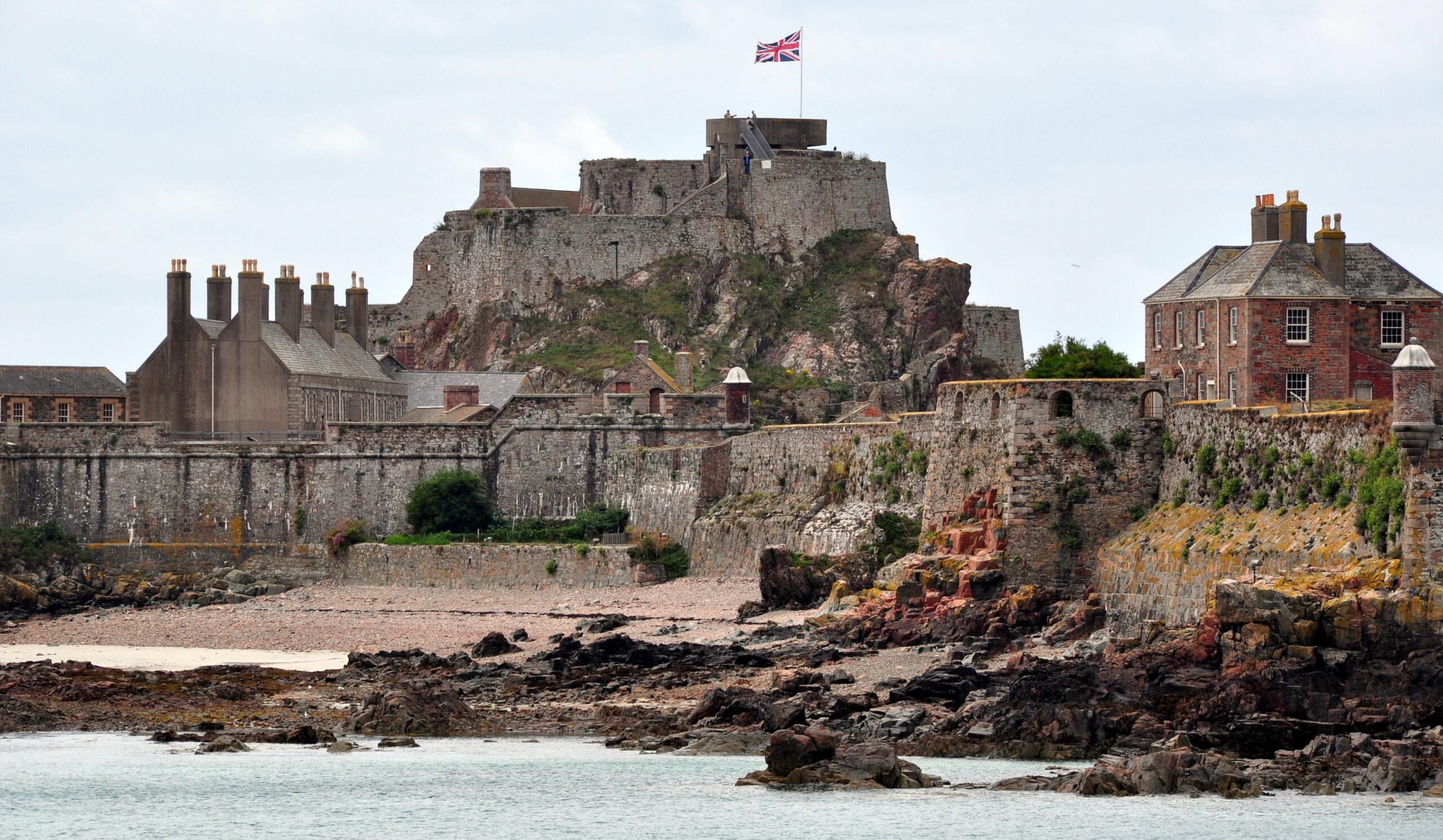 Investigations resume at Jersey's Elizabeth Castle