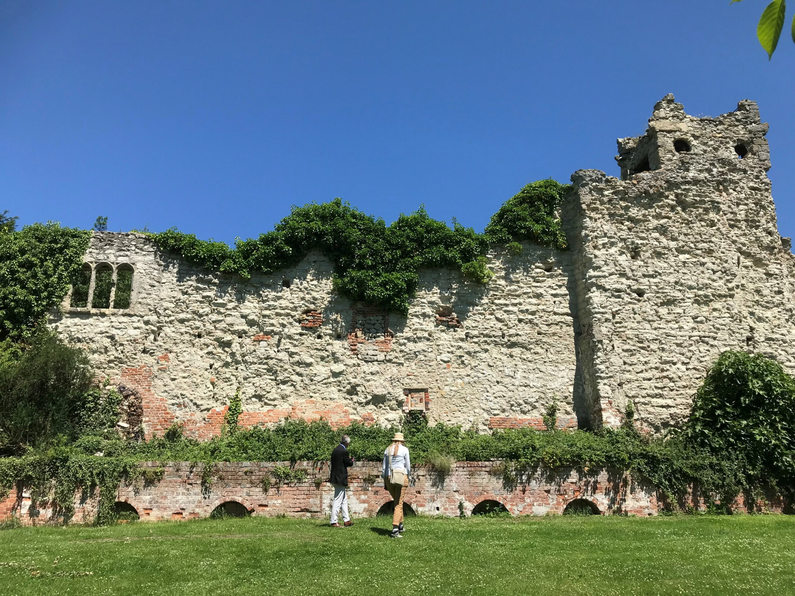Oxfordshire's Wallingford Castle ruins to undergo conservation
