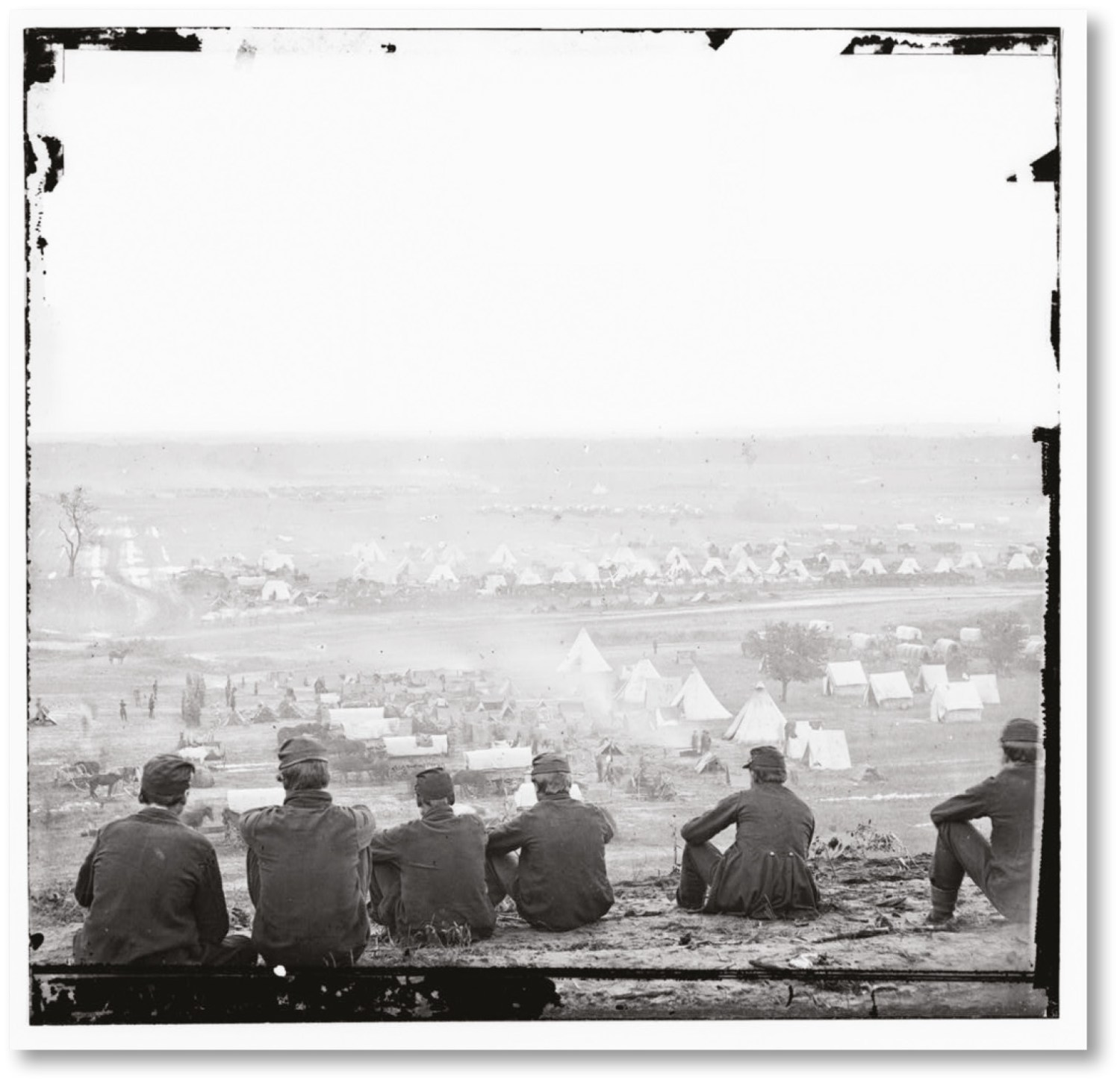 ABOVE Union camp, Cumberland Landing, Peninsula, May 1862. This photo by James Gibson captures something of the vast mobilisation of manpower and resources represented by McClellan's campaign.