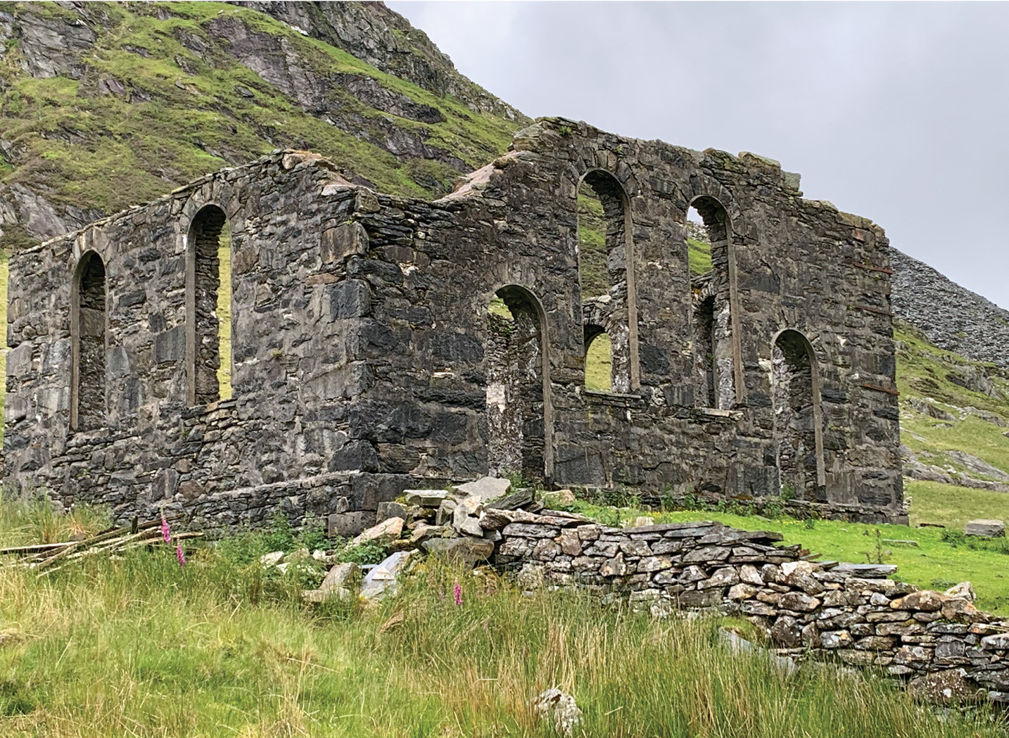 left Capel Tiberias, an Independent Chapel built in 1866 to serve the quarry community at Cwmorthin, once attracted congregations of up to 100 people.