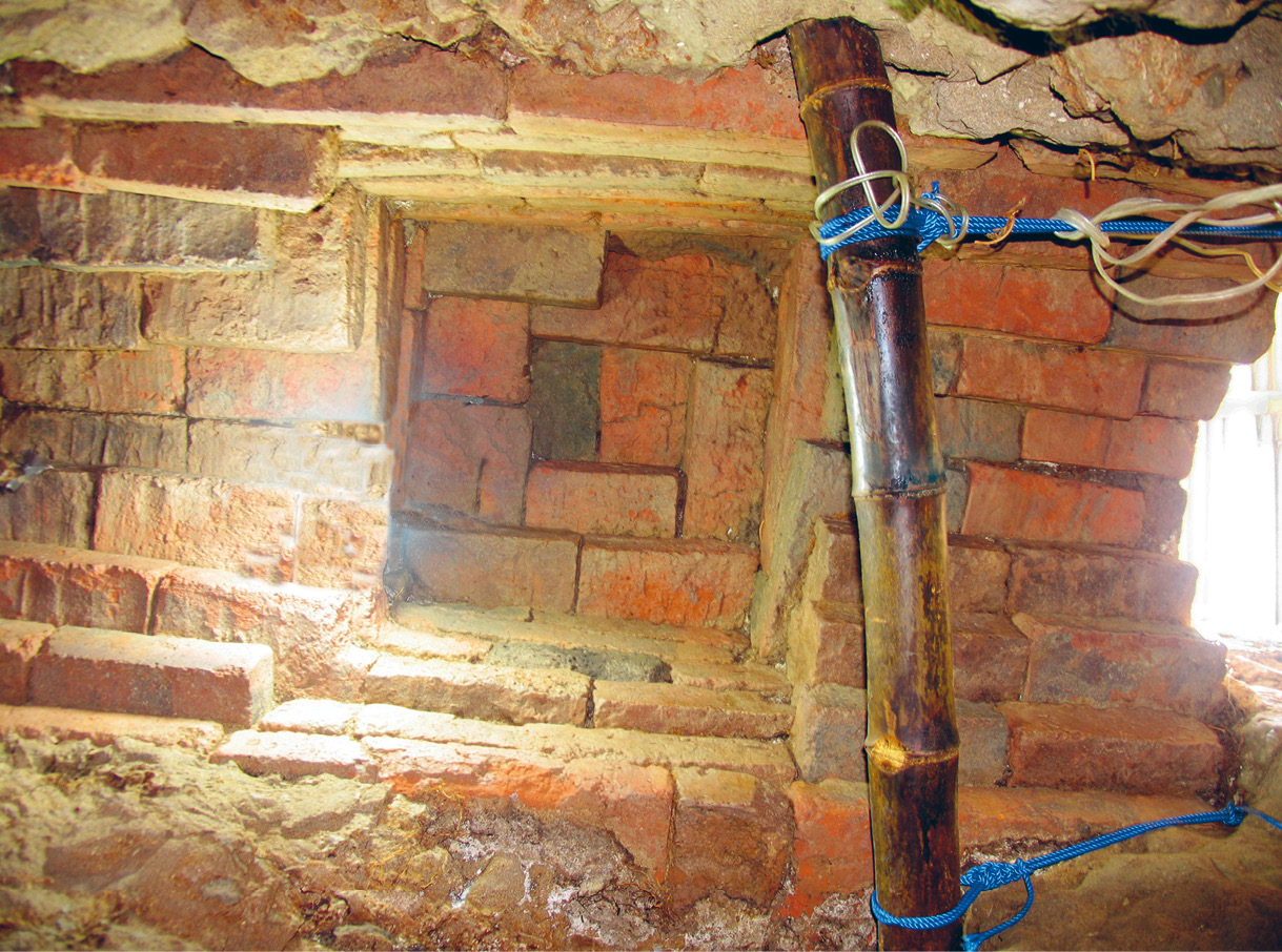 top The corbelled brick ceiling of the subterranean structure. Above The position of our 2007 trenches, alongside the known shaft positions.