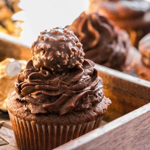 Cupcakes chocolatés au Ferrero Rocher
