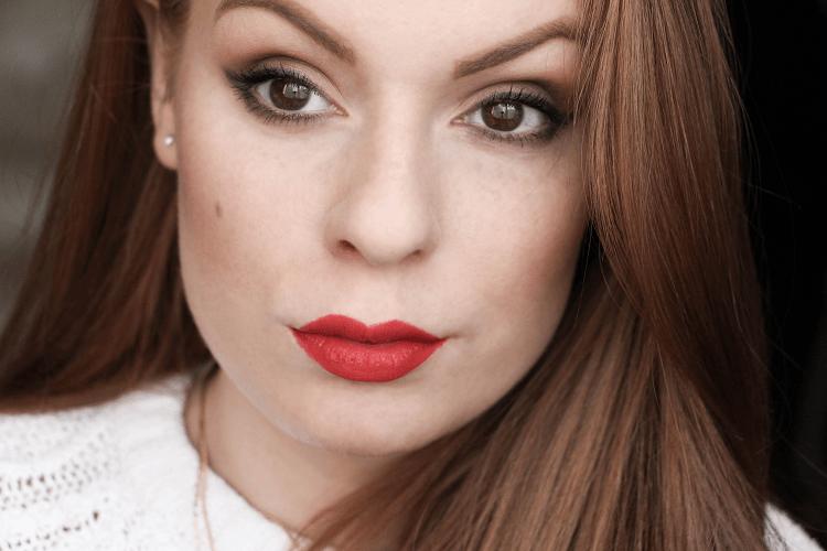 Maquillage rendez-vous amoureux glamour