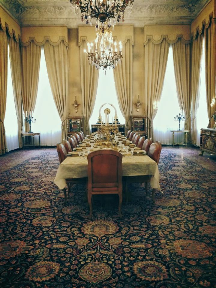 Ruang makan yang terakhir digunakan untuk menjamu Charles de Gaulle.