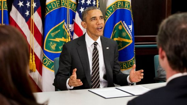 Obama during his visit at the Energy Department, where he announced his plans to cut government emissions (photo: AP Photo/Jacquelyn Martin)