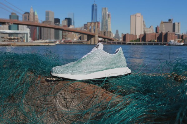 Adidas presented a shoe made of recovered plastic and gillnets from the oceans (photo: Adidas)