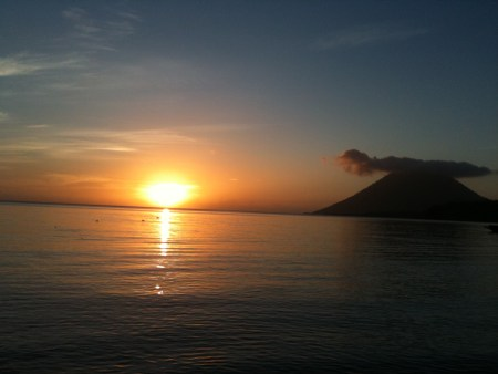 bunaken, indonesia, sulawesi, sunset, volcano, misty