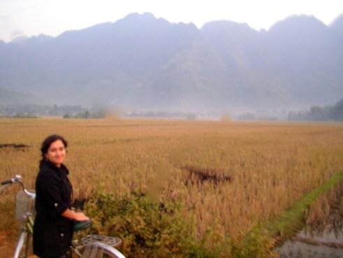 Northwest Vietnam, offbeat Vietnam, rice paddies, biking, Ben Lac village, Off the beaten track, Vietnam travel blog, Mai Chau, small towns near Hanoi