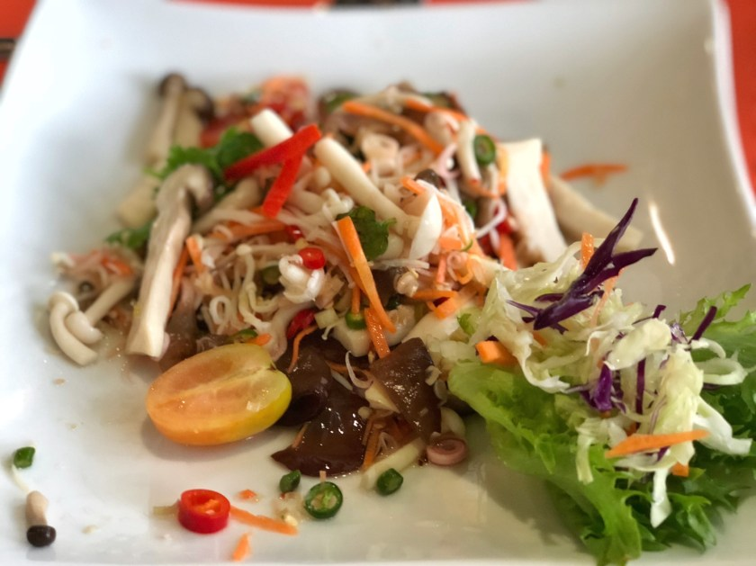 moreganic, organic restaurant chiang mai, healthy food chiang mai