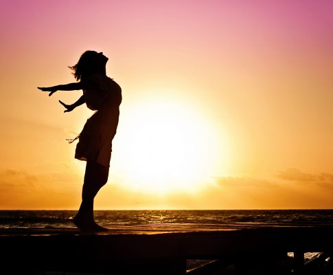 woman-happiness-sunrise-silhouette-40192-485x400