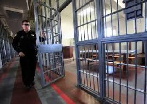 With few other outlets for complaints, inmates review prisons on Yelp – The  Denver Post