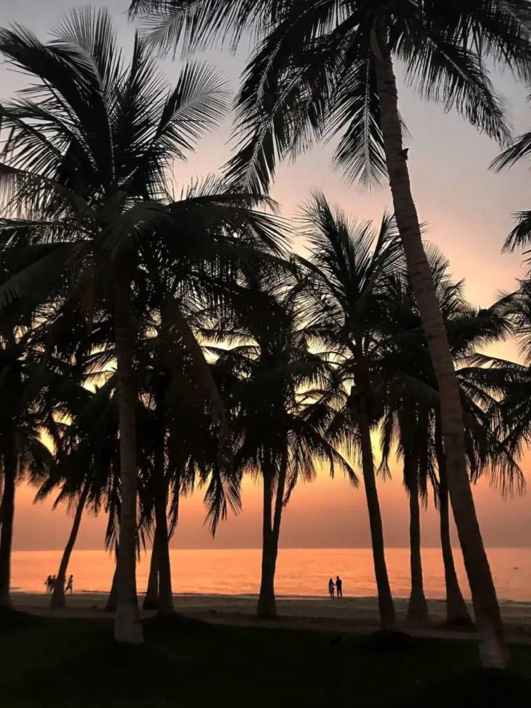 10 najlepszych miejsc do zobaczenia w Maskacie - Plaża w Al Shatti - wakacje oman