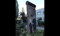 "<h5>Masurenallee</h5><p>Masurenallee <strong>rbb/Haus des Rundfunks</strong> © <a href=""https://www.instagram.com/p/BlQTirjgzO-/"" target=""_blank"">Artem ART/Instagram</a><br>Datum der Aufnahme: 2018                                                   </p>"